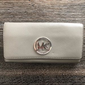Michael Kors Fulton Pebble Leather Wallet
